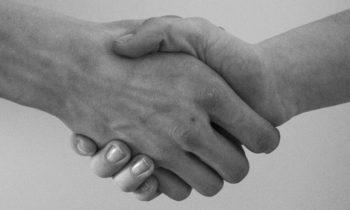 Prestazioni professionali gratuite: ammissibili per amici e parenti